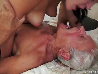 cunnilingus facial Dolly Diore in Of Picnics and Old Cocks Video