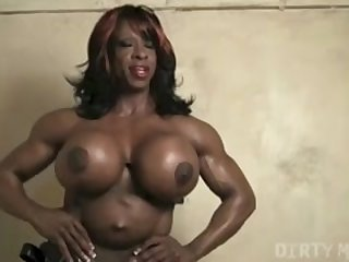 ebony strapon Yvette Bova Craves to Dominate U