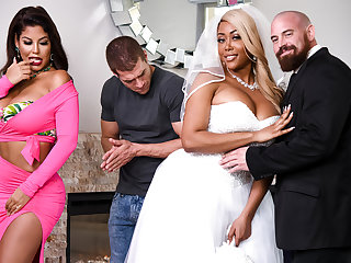 big tits big ass Bridgette B & Moriah Mills & Xander Corvus in Moriahs Wedding Shower - BRAZZERS