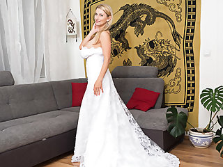 big tits big ass In My Wedding Dress And Some Surprise Under - KaterinaHartlova